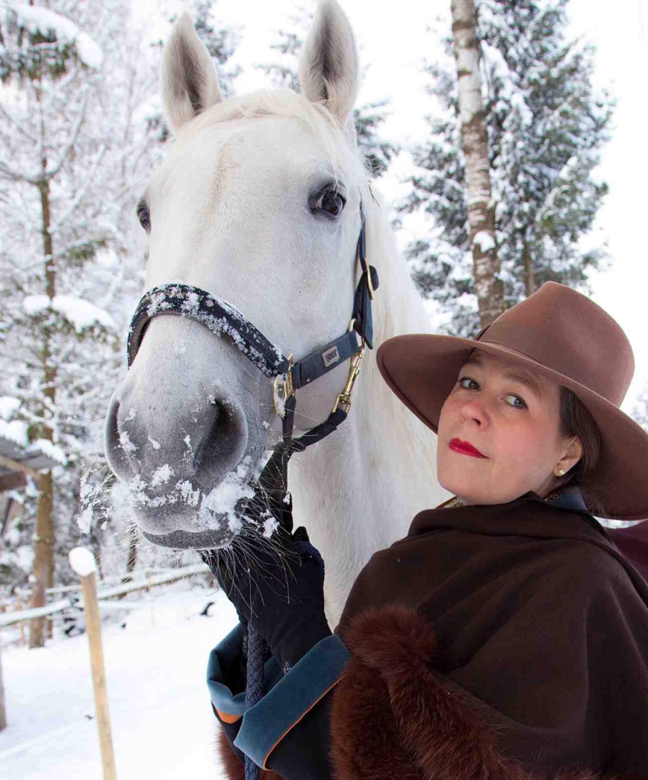 Katharina Kaesbach mit ihrem Pferd